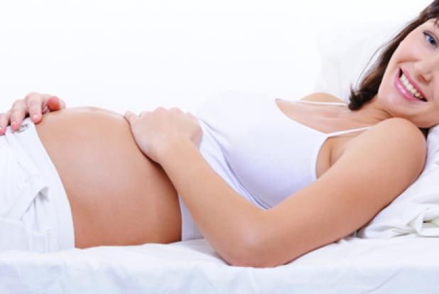 Le troisième mois de grossesse marque l'apparition des premières rondeurs