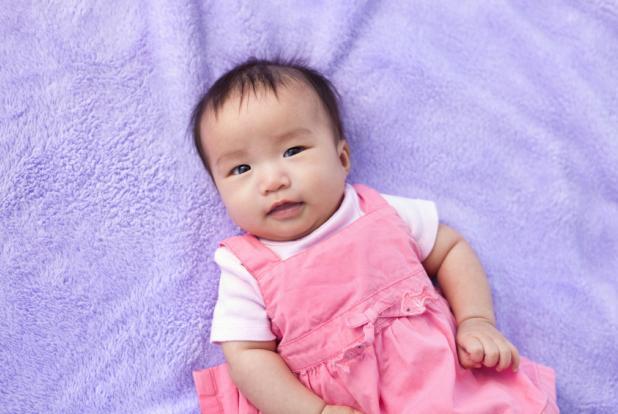 bébé de deux mois