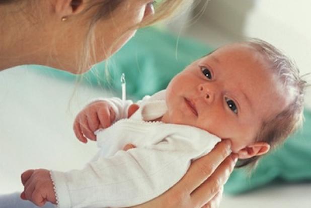 poussette bebe secoue