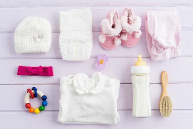 Des idées de cadeaux à demander à vos proches grâce à votre liste de naissance, en attendant l'arrivée de bébé.