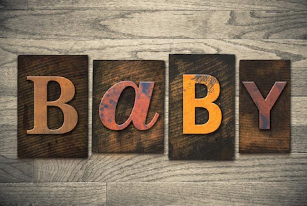 Le mot Baby pour annoncer sa grossesse et la future arrivée de bébé