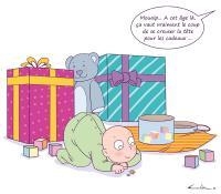 Bébé se fiche de ses cadeaux
