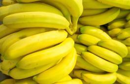 des bananes prêts à écraser pour le dessert de bébé