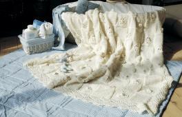 Couverture ajourée tricoté à la main