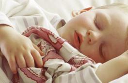 un enfant qui fait ses nuits