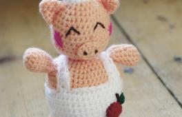 Cheffy le cochon tricoté à la main