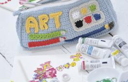 Trousse pour enfant tricoté à la main