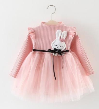 90ded24082d8a Cette petite robe toute mignonne sera donc parfaite pour célébrer les fêtes  de fin d année avec votre petite princesse.